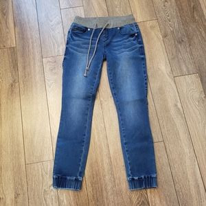 """Guess Pull on Jeans, 24"""" waist"""